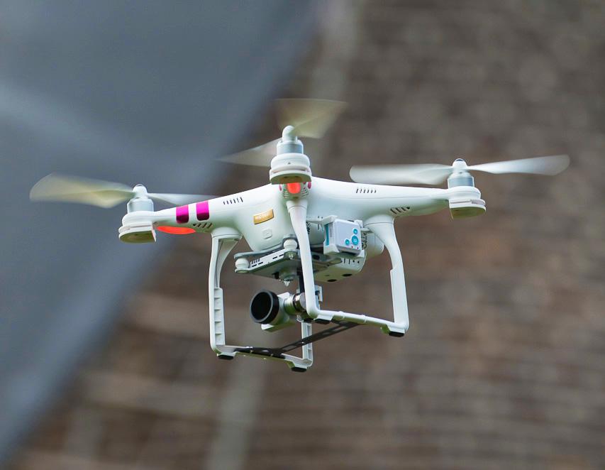 Unser DJI Phantom 3 Professional Multicopter beim Erstellen von Luftbildern